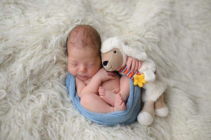 Fotografiranje novorojenčkov z Juretom in s Piko ~ Mirna